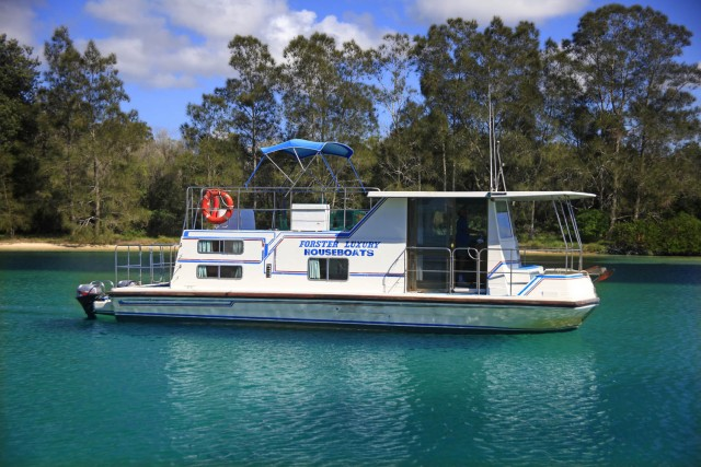 33 Foot Houseboat Hire